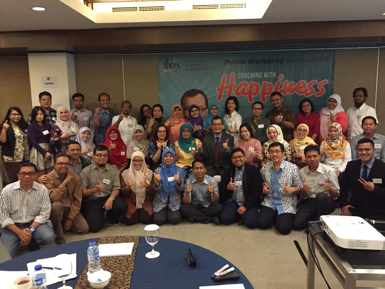 Foto bersama perserta workshop Coaching with Happiness